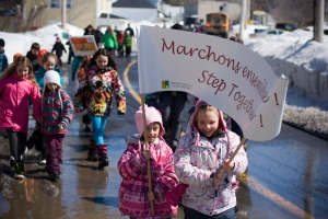 At the start of April, community members of all ages turned out to join students from both Metis Beach School and l'École l'Envol for a 2.8 kilometer walk to the Town Hall where they shared a healthy snack. Photo: Vincent Lapierre
